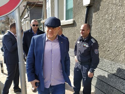 Главният прокурор Иван Гешев в Кричим.  СНИМКА: Радко Паунов