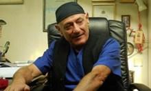 Преврат съсипа лекаря, трансплантирал бъбрек на човек с присадено сърце