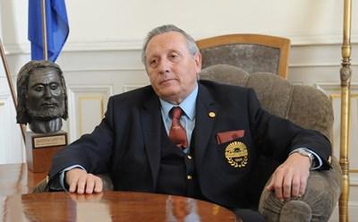 Акад. Стефан Воденичаров