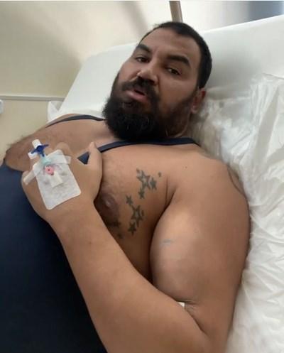 Азис в болницата с уголемения вече бицепс СНИМКА: инстаграм профил на Азис