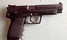 Бандит със висящи 17 дела сгазил полицая Маринков, той го прострелял