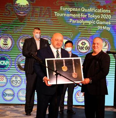Министърът на младежта и спорта в оставка Красен Кралев откри официално Европейската олимпийска квалификация по таекуондо, която се провежда в София до неделя (09.05).