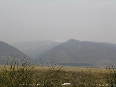 В тези скалисти гънки на Сливенския Балкан са основните скривалища на Панайот Хитов.