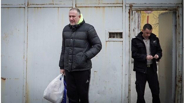 И в Европа спасяват стрелци като д-р Иван Димитров с протести
