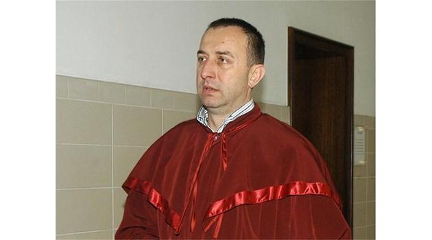 Прокурорски брат обвинен в незаконен строеж