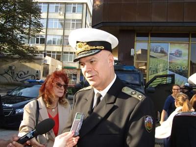 Контраадмирал Михайлов