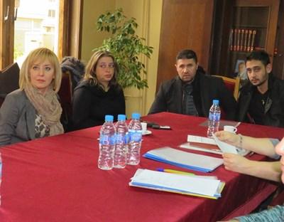 Мая Манолова изслуша проблемите на граждани в Горна Оряховица СНИМКА: Дима Максимова