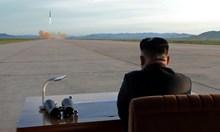 Луд диктатор ли е Ким Чен Ун и  кой стои зад него