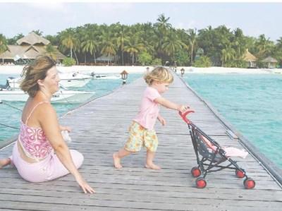 """Ваканция на Малдивите ще може да се кара при покупка на дял от ваканционен имот у нас. СНИМКА: """"24 ЧАСА"""""""