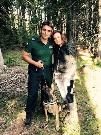Теодора Духовникова е влюбена в кучето  Снимка Фейсбук