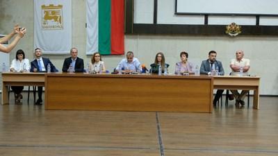Кметът Илко Стоянов представи екипа си.