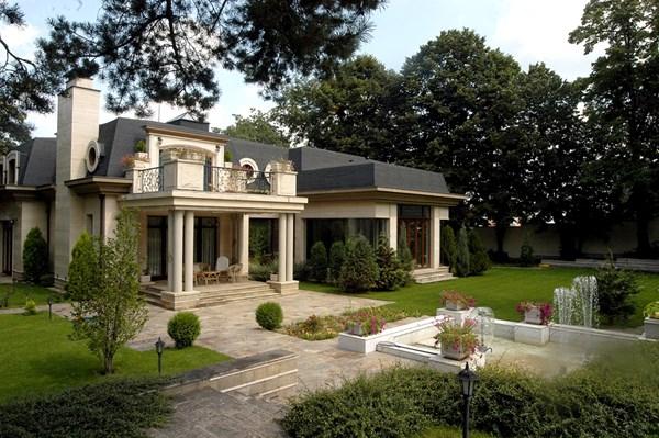 Луксозната къща в Драгалевци бе обявена за продан