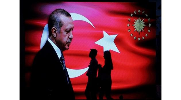 Ердоган на косъм да загуби цялата власт