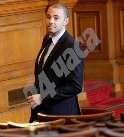 Зам-шефът на регионалната комисия Александър Ненков е сред вносителите на законопроекта. СНИМКА: 24 часа