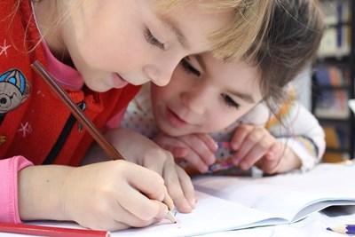 Деца от Ловеч благодариха на лекарите с рисунки СНИМКА: Pixabay
