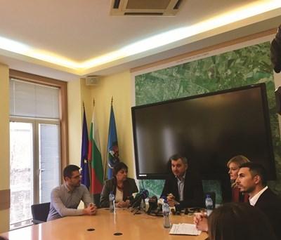"""Приемане на нов план за управление на парк """"Витоша"""" ще реши проблема със съоръженията и достъпа до планината. Това настояха шефът на Столичния общински съвет Елен Герджиков и съветници от ГЕРБ."""
