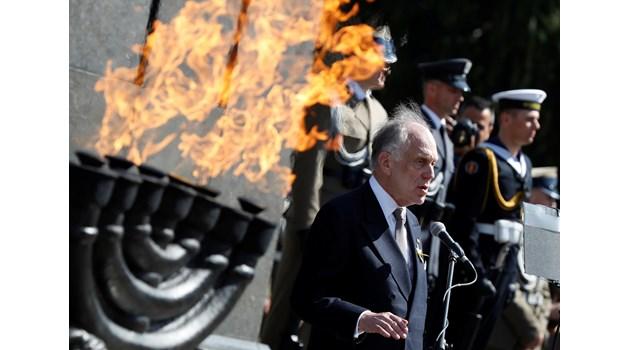 Защо милиардерът Роналд Лаудер ще строи еврейско училище в София
