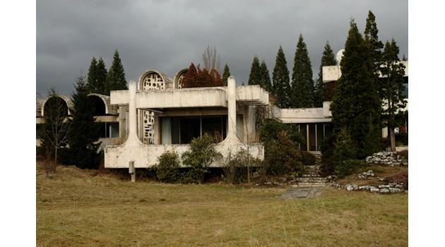 Резиденцията на Живков в Банкя - убийство, поледица за Брежнев, Масако Оя в спалнята