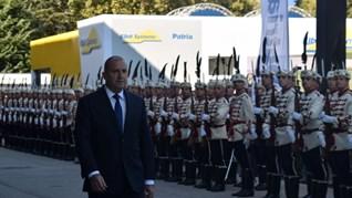 Освиркаха Радев пред панаира в Пловдив, той иска облекчения за оръжейната индустрия (Снимки)