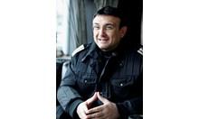 Младен Маринов спасява отвлечени  ученички като млад полицай