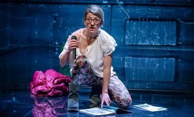 """Ива Тодорова е една от най-успешните актриси от миналия сезон на Театър 199, която направи бум с авторската си пиеса """"Приятно ми е, Ива""""."""