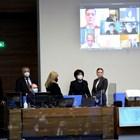 Депутатите отново успяха да скрепят кворум от 124 души благодарение на осмината си колеги под карантина, които се включиха онлайн. СНИМКИ: ВЕЛИСЛАВ НИКОЛОВ