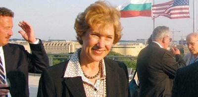 Самата Поптодорова е скептично настроена, че ще се намери лесно кандидат за поста.