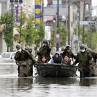 Поне 66 души са загинали, а 16 все още се водят безследно изчезнали след поройните дъждове, които причиниха наводнения на югозападния японски остров Кюшу. Снимка: Ройтерс