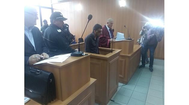 Ето го 19-годишния от мелето с два трупа в Пловдив (Снимки)