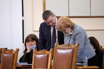 Владислав Горанов и Менда Стоянова СНИМКИ: Пресцентър на НС