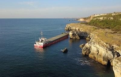 ГЕРБ - Варна : Престъпно бездействие на служебния кабинет на Радев за авариралия кораб води до екокатастрофа