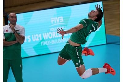 Денис Карягин бе най-резултатен за България срещу Бахрейн с 18 т. Снимки: FIVB