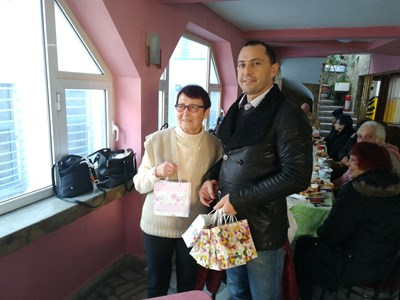 Районният кмет Ральо Ралев раздаде подаръци на членовете на туристическия клуб