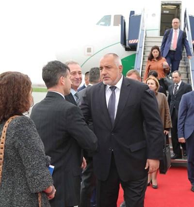 Премиерът Бойко Борисов пристигна в Прищина  СНИМКИ: фейсбук