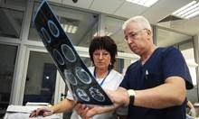 Отстраненият проф. Петров проверявал всяка сутрин в 7 часа бившите си подчинени във ВМА