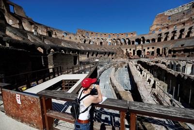 Колизеят в Рим отвори врати след 84-дневно затваряне. СНИМКА: РОЙТЕРС