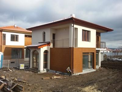 Така изглеждат новите къщи в Хитрино.