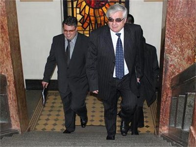Димитър Стойков изкачва стъпалата на властта в първия си ден като кмет.
