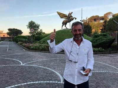 Димов е на 55 г. и от дълго време живее в Тоскана. СНИМКА: Личен Профил Във Фейсбук