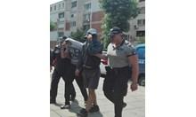 Оставиха в ареста бореца Даниел и авера му, грабили туристи в Слънчев бряг