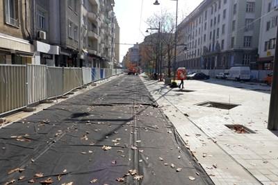 """Ремонтът на ул. """"Граф Игнатиев"""" тече от март месец.  СНИМКА: ПИЕР ПЕТРОВ"""