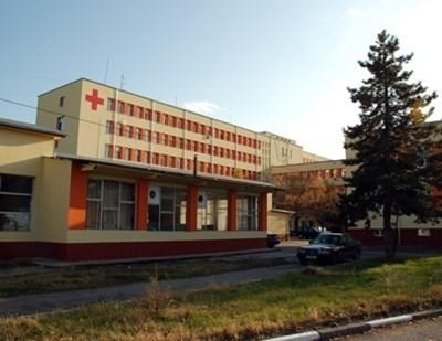 """Мъжът е настанен в Инфекциозно отделение на монтанската болница """"Д-р Стамен Илиев""""."""