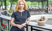 """Аделина Радева водеща на """"Още от деня"""" по БНТ"""