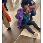 Арестуваха възрастна жена в столичното метро - държала се непристойно (Видео)