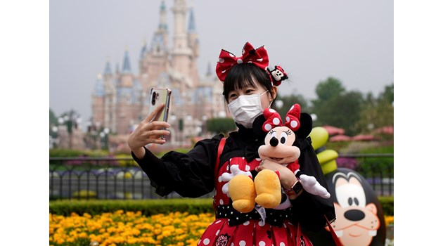 """Дисниленд"" отвори врати в Китай"
