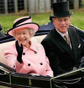 Елизабет II със съпруга си принц Филип