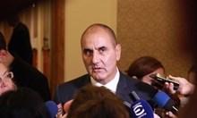 Цветанов: Ценя летеца Радев, който даде експертиза за F-16