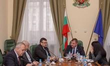 Каракачанов: Местната власт трябва да реагира първа спрямо ромите, не да чака полицията