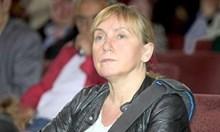 Елена Йончева пак емна Делян Добрев, той вади документи, че тя е свързана с КТБ