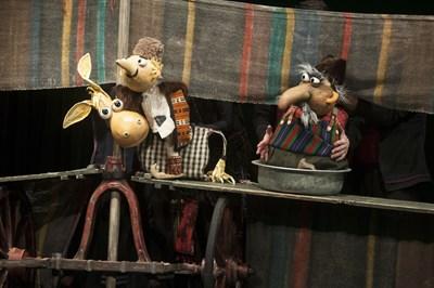 """Постановката """"Хитър Петър"""" е премиерна в Столичния куклен театър."""